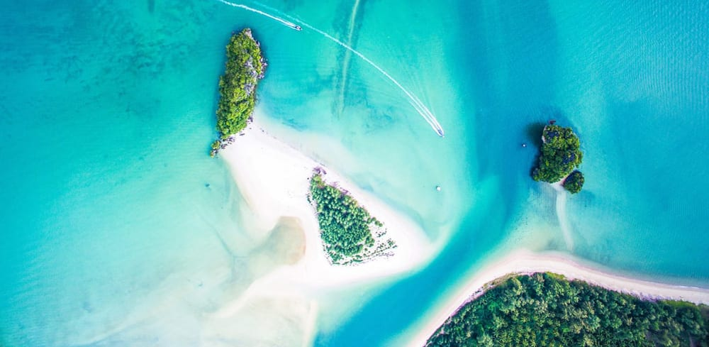 aerial-photo-ocean-and-islands